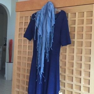 Accessories - Woman's light blue fringed scarf